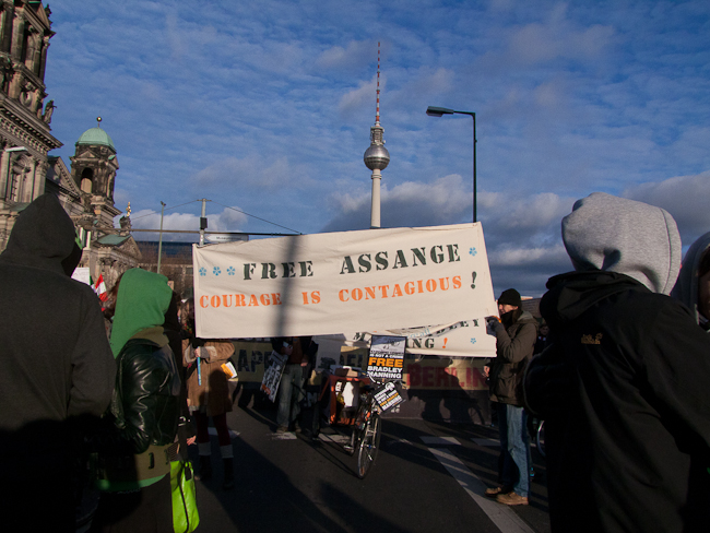 Free Bradley Manning, Free Assange demo in Frankfurt (Germany), Jan. 15 2012